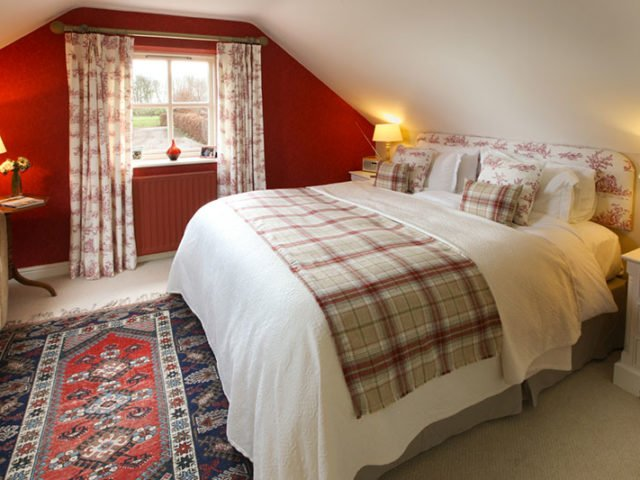 The Scott room at Throphill Grange B&B